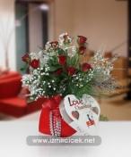 Aşkım İçin Kalp Vazoda Çikolatalı Kırmızı Güller