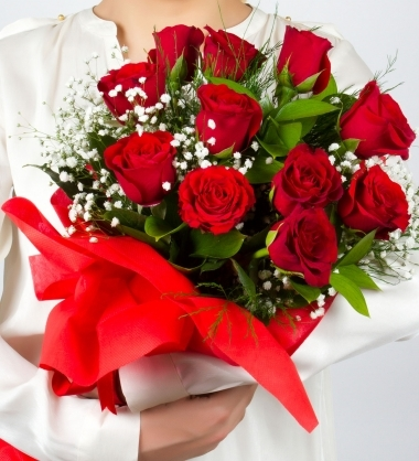 Kırmızı Güllerden Çiçek Buketi (11 Adet)