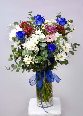 Mavi Güllerden Çiçek Aranjmanı