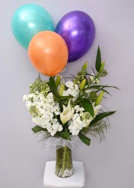Uçan Balonlu Beyaz Çiçek Aranjmanı