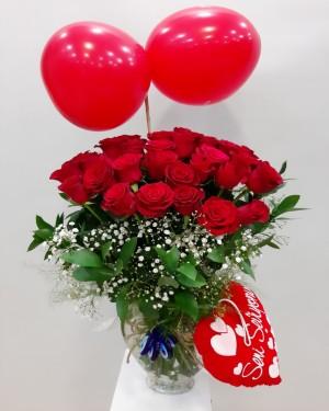 Kalp Vazoda 30 Kırmızı Güller