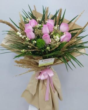 10 Adet İthal Güllerden Çiçek Buketi