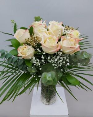 İthal Güller 10 Adet vazoda